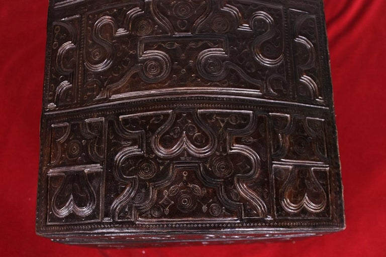 Leather Chest Probably from Cordoba, 19th Century For Sale 2