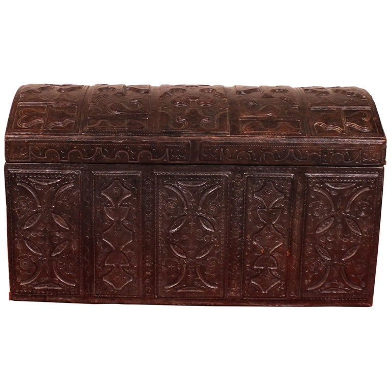 Leather Chest Probably from Cordoba, 19th Century For Sale