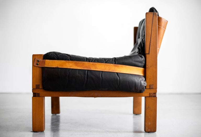 Leather Club Chairs by Pierre Chapo For Sale 3