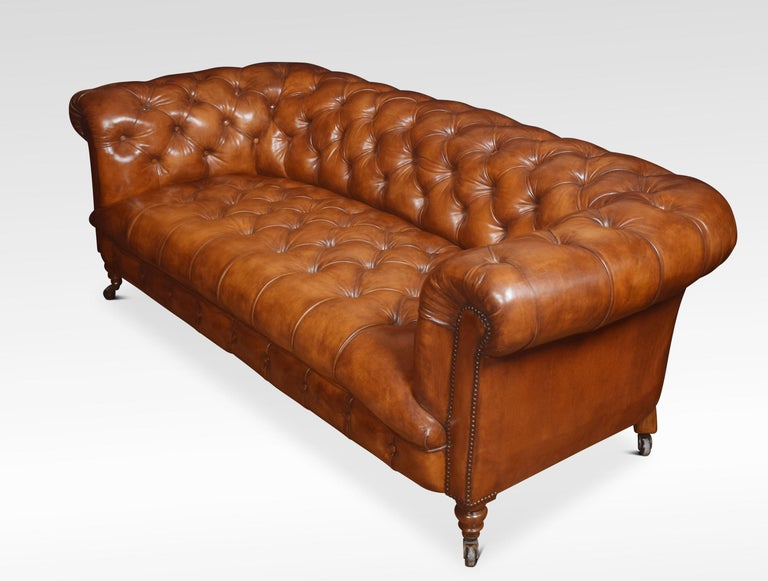 Leather Deep Buttoned Chesterfield In Good Condition For Sale In Cheshire, GB