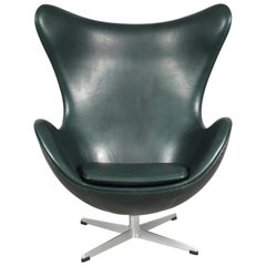 Leather Egg Chair by Arne Jacobsen for Fritz Hansen, 1970s New Green Leather