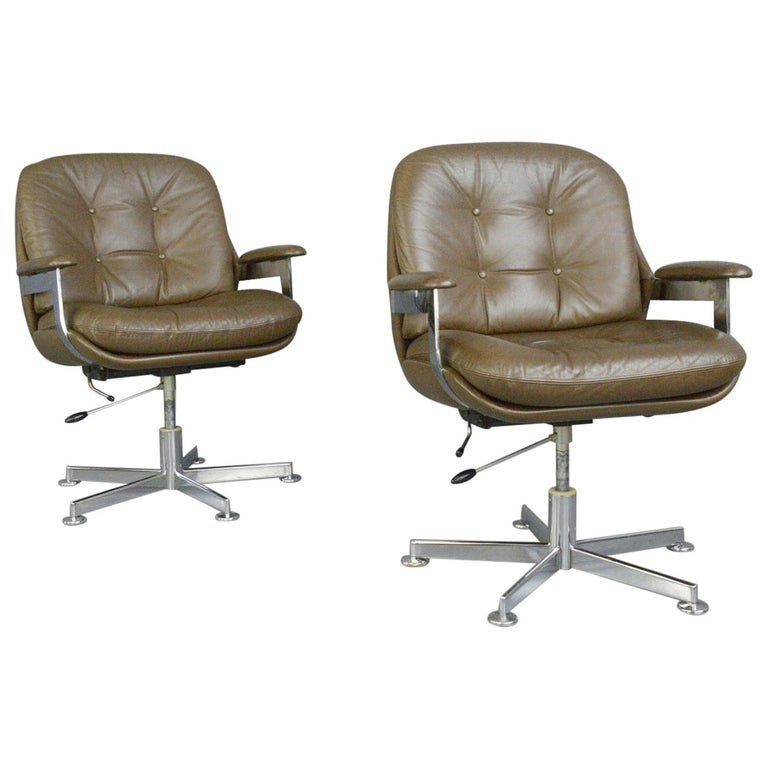 Leather Executive Chairs by Ring Mobelfabrikk, circa 1970s For Sale