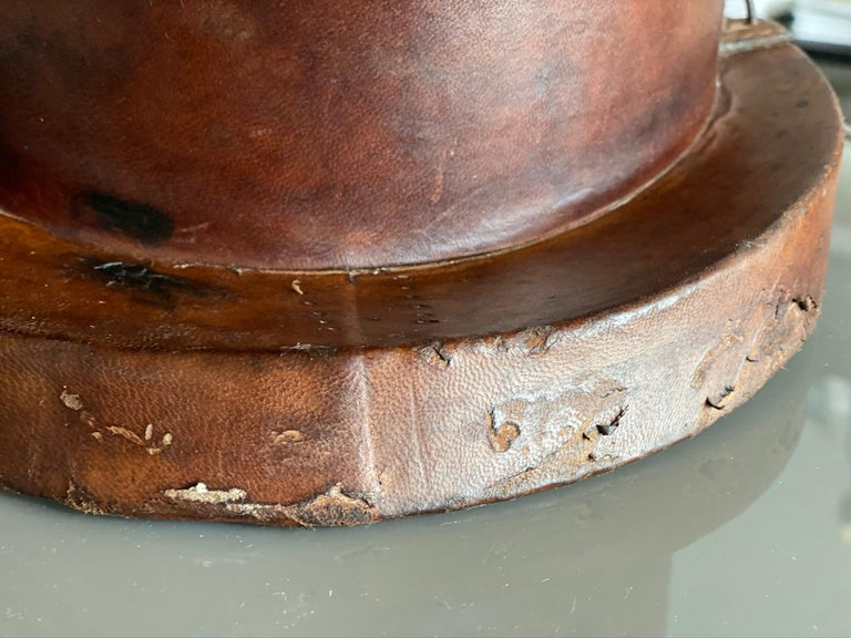 Leather Hat Box for Cylinders, Early 19th Century For Sale 5