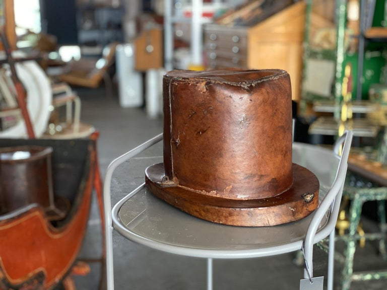 Leather Hat Box for Cylinders, Early 19th Century For Sale 9