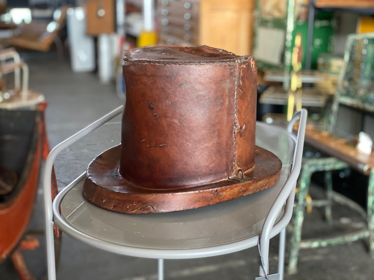 Biedermeier Leather Hat Box for Cylinders, Early 19th Century For Sale