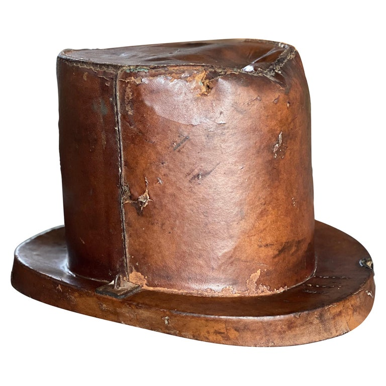 Leather Hat Box for Cylinders, Early 19th Century For Sale