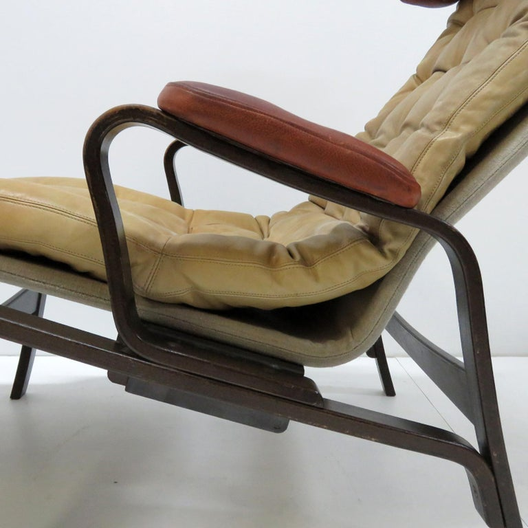 Leather Lounge Chair 'Fenix' by Sam Larsson for DUX, 1970 In Good Condition For Sale In Los Angeles, CA