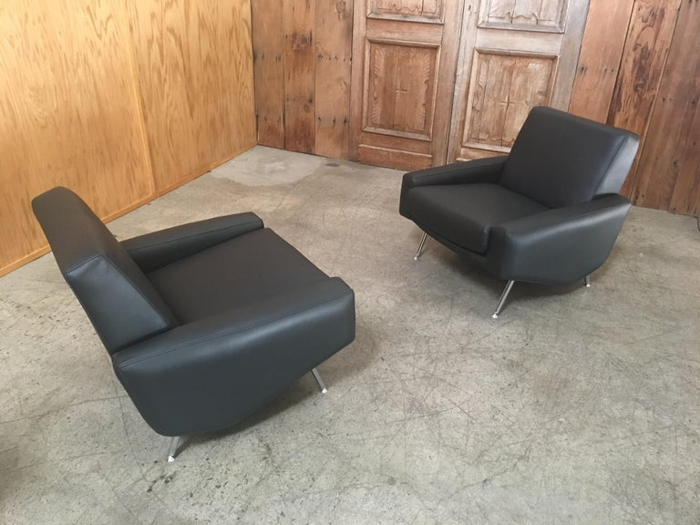 Leather Lounge Chairs by Airborne For Sale 4