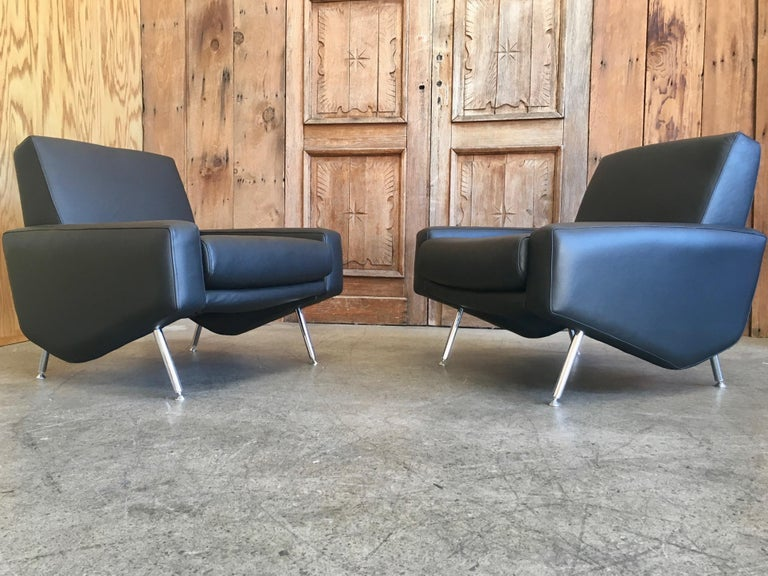 Leather Lounge Chairs by Airborne For Sale 6