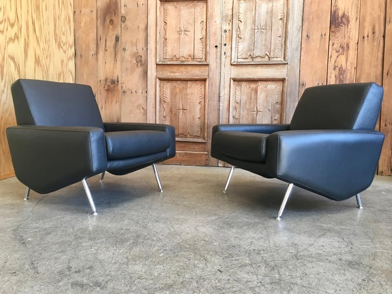 Leather Lounge Chairs by Airborne For Sale 7
