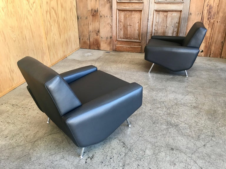 Mid-Century Modern Leather Lounge Chairs by Airborne For Sale