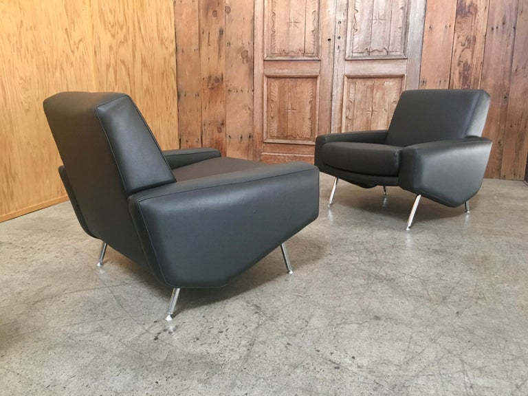 20th Century Leather Lounge Chairs by Airborne For Sale