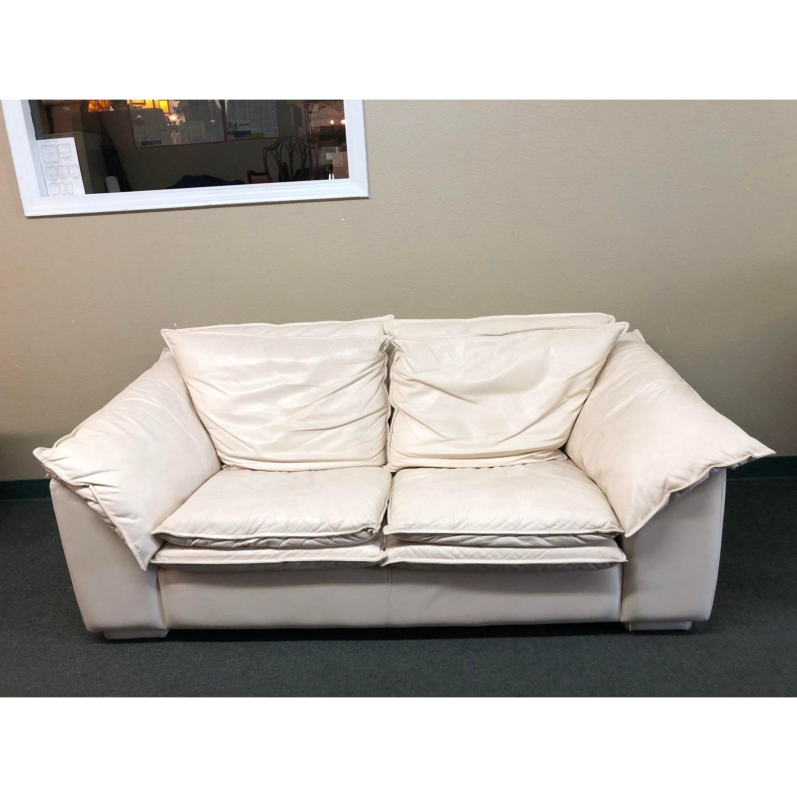 Excellent Leather Loveseat From Leather Center For Sale At 1Stdibs Uwap Interior Chair Design Uwaporg