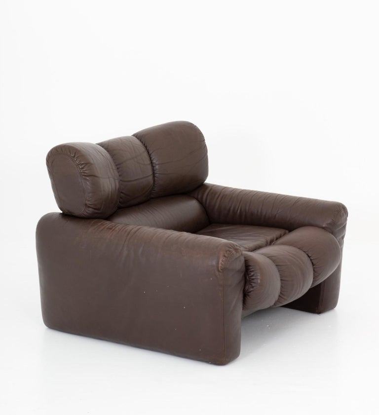 Scandinavian Modern Leather Lunge Chair by Tongiani Stefanos, Italy For Sale
