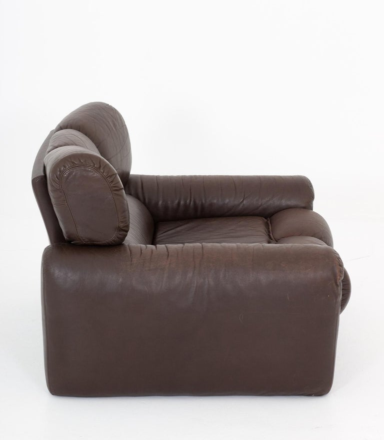 Swedish Leather Lunge Chair by Tongiani Stefanos, Italy For Sale