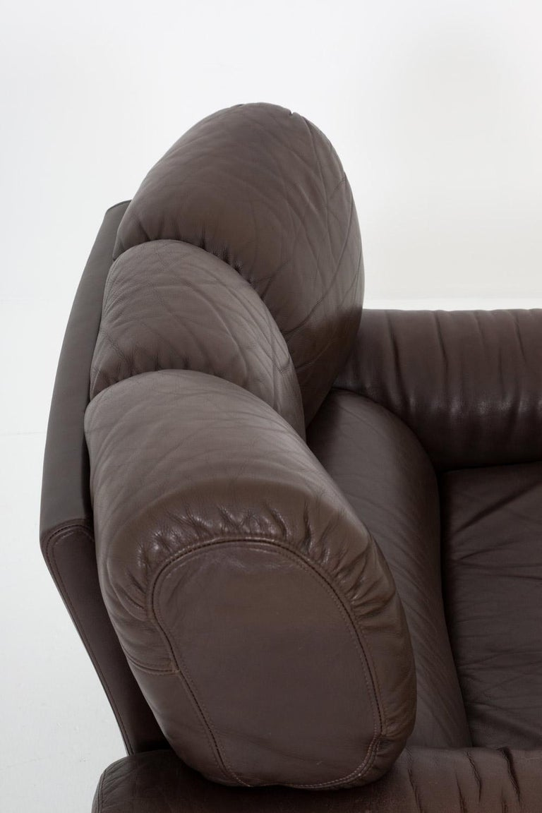 20th Century Leather Lunge Chair by Tongiani Stefanos, Italy For Sale