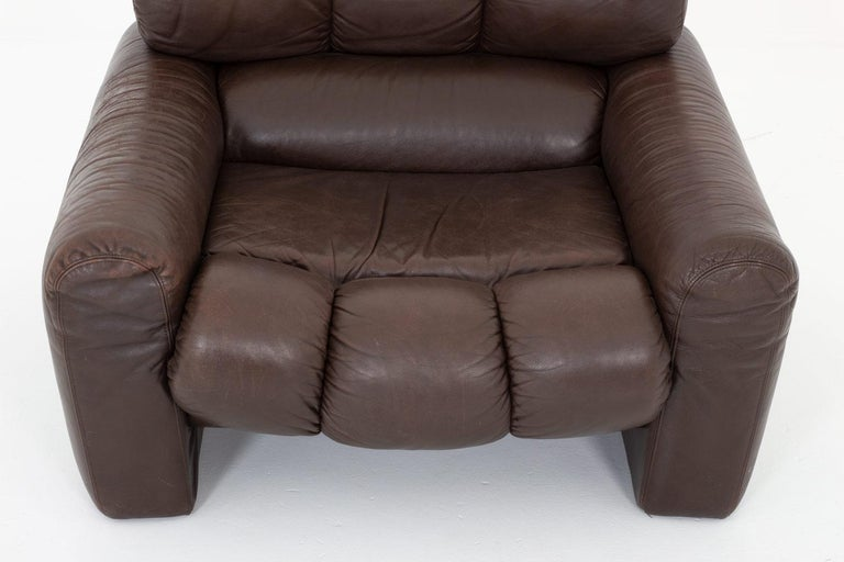 Leather Lunge Chair by Tongiani Stefanos, Italy For Sale 2