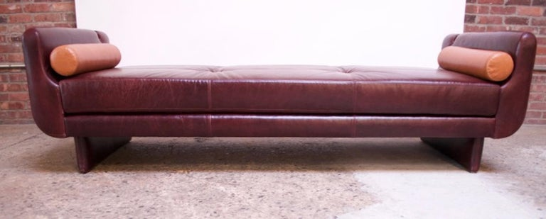 Leather 'Matinee' Sofa / Daybed by Vladimir Kagan For Sale 12