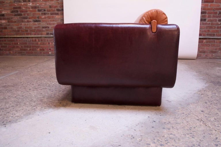 Leather 'Matinee' Sofa / Daybed by Vladimir Kagan In Good Condition For Sale In Brooklyn, NY