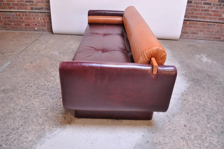 Contemporary Leather 'Matinee' Sofa / Daybed by Vladimir Kagan For Sale