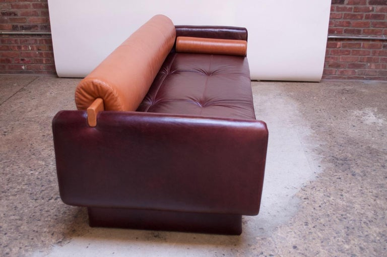 Leather 'Matinee' Sofa / Daybed by Vladimir Kagan For Sale 1