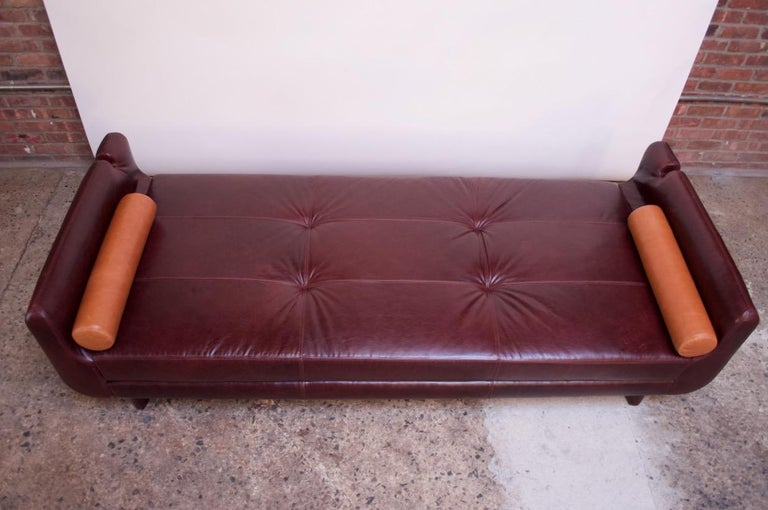 Leather 'Matinee' Sofa / Daybed by Vladimir Kagan For Sale 3