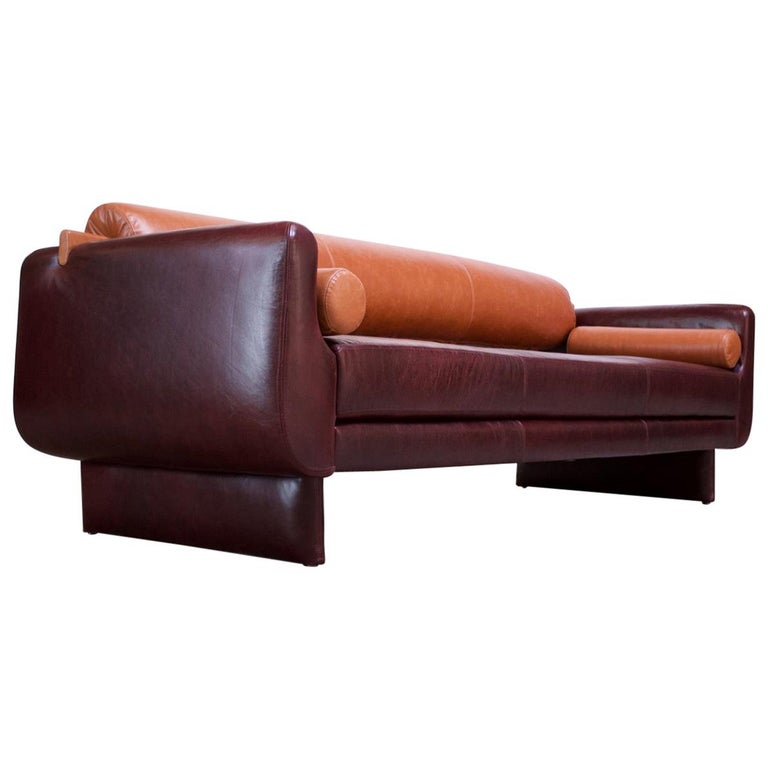 Leather 'Matinee' Sofa / Daybed by Vladimir Kagan For Sale