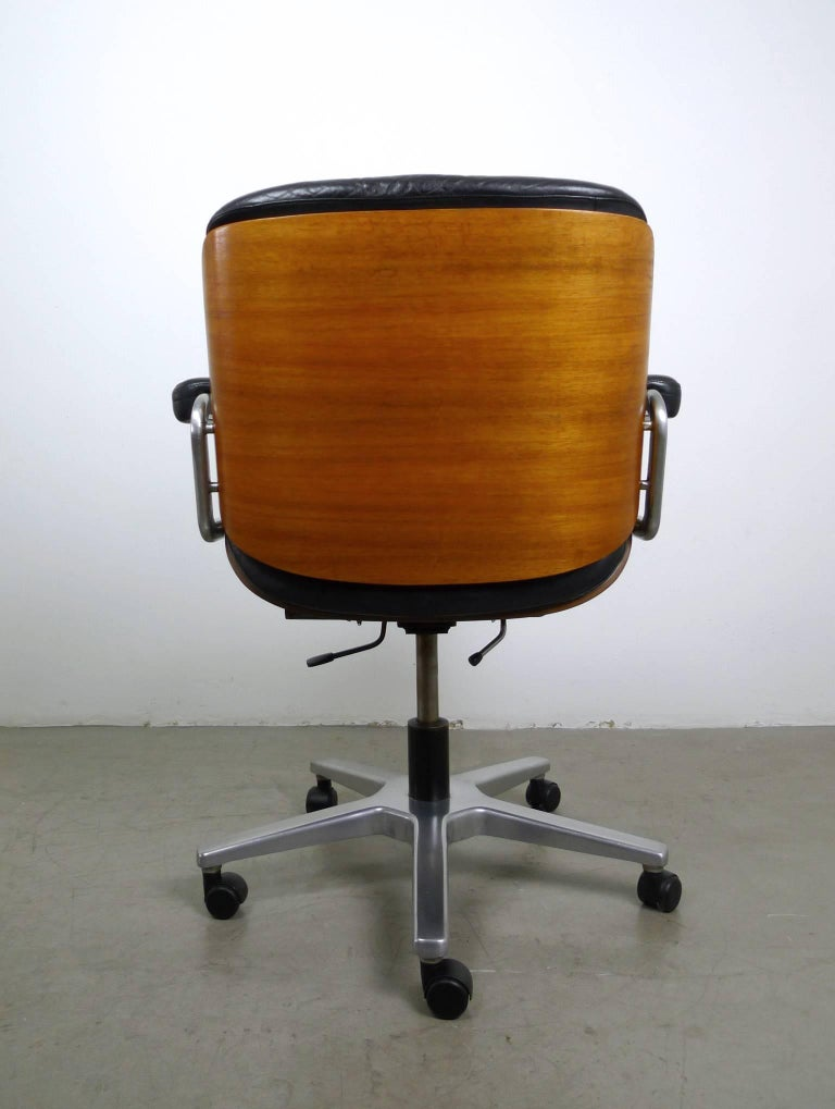 leather office swivel chair from stoll giroflex ag switzerland 1970s at 1stdibs. Black Bedroom Furniture Sets. Home Design Ideas