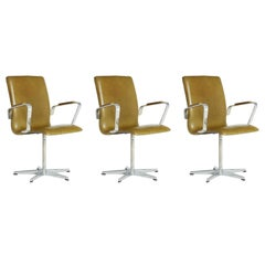 Leather Oxford Chairs by Arne Jacobsen for Fritz Hansen, 1973 Mfg Examples