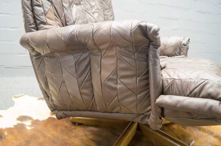 Leather Patchwork Armhair Cavaliere & Ottoman, André Vandenbeuck for Stässle For Sale 2