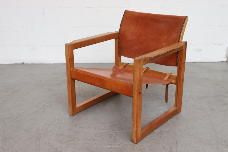Leather Safari Style Lounge Chair In Good Condition For Sale In Los Angeles, CA