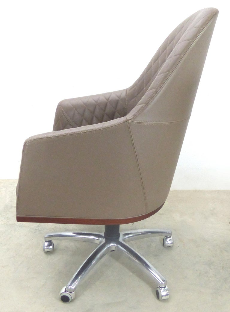 Italian Leather Swivel Desk Chair by Umberto Asnago for Medea Mobiledia, Italy For Sale