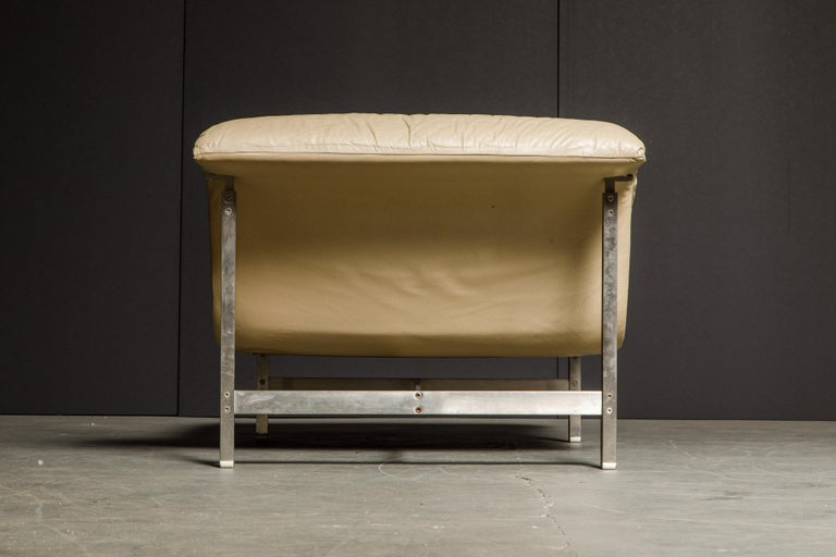 Leather 'Wave' Chaise by Giovanni Offredi for Saporiti Italia, c. 1978, Signed For Sale 6
