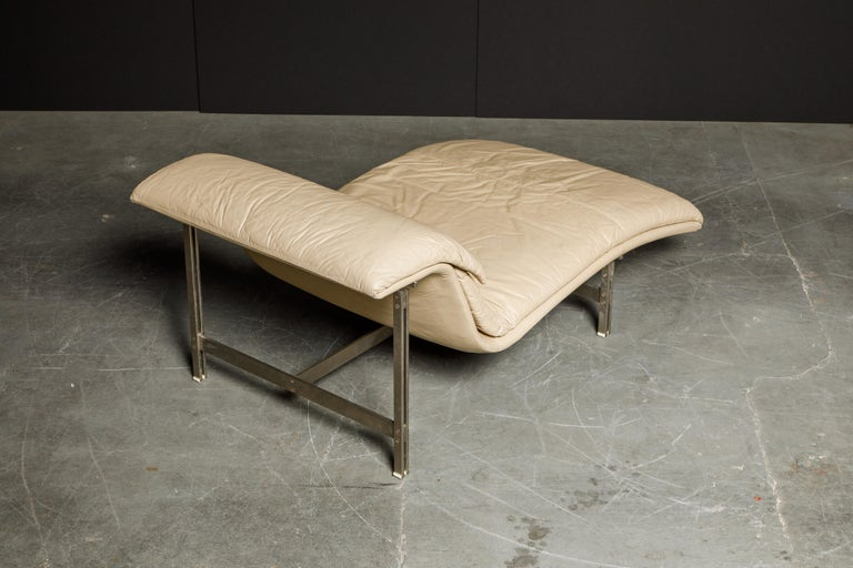 Leather 'Wave' Chaise by Giovanni Offredi for Saporiti Italia, c. 1978, Signed For Sale 7