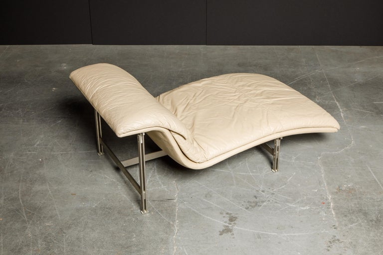 Leather 'Wave' Chaise by Giovanni Offredi for Saporiti Italia, c. 1978, Signed For Sale 8