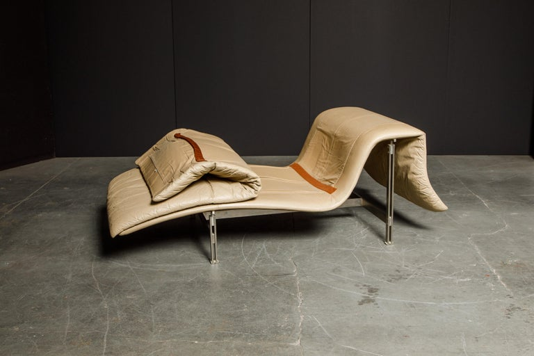 Leather 'Wave' Chaise by Giovanni Offredi for Saporiti Italia, c. 1978, Signed For Sale 11