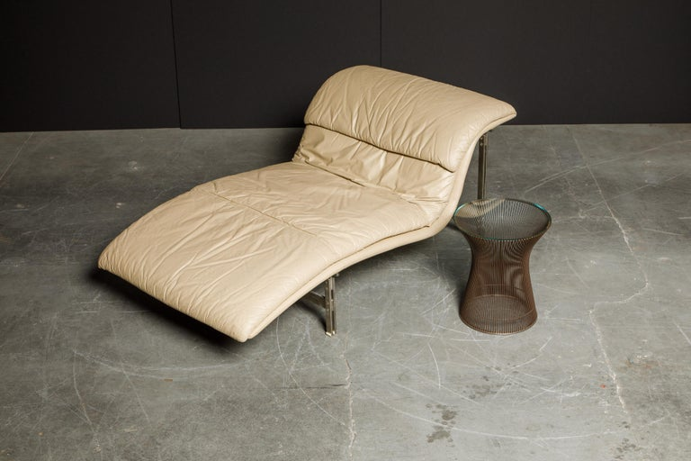 Leather 'Wave' Chaise by Giovanni Offredi for Saporiti Italia, c. 1978, Signed For Sale 12