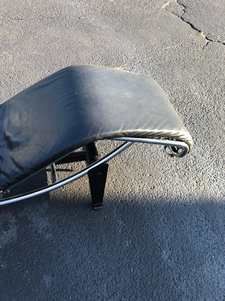 LeCorbusier LC4 Chaise Lounge with Black Leather 2