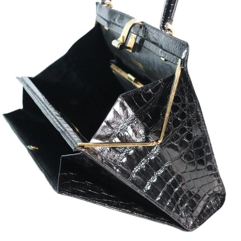 Women's Lederer Black Alligator Purse W/ Gold Hardware & Expandable Frame For Sale