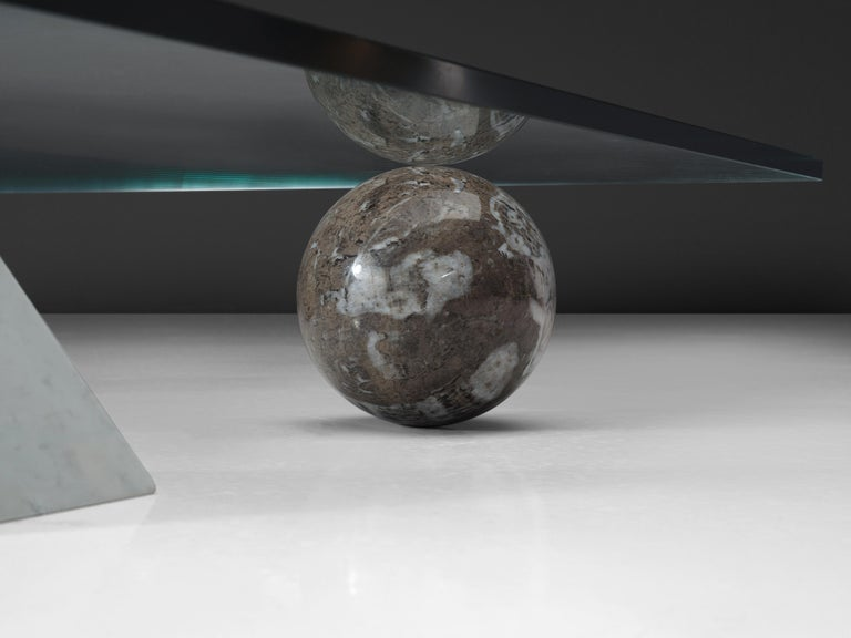 Lella and Massimo Vignelli Marble 'Metaphora' Coffee Table in Marble and Brass In Good Condition For Sale In Waalwijk, NL