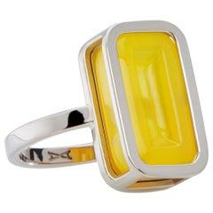 Lemon Pfefferminz Ring, 14 Karat White Gold Carved Yellow Agate Cocktail Ring
