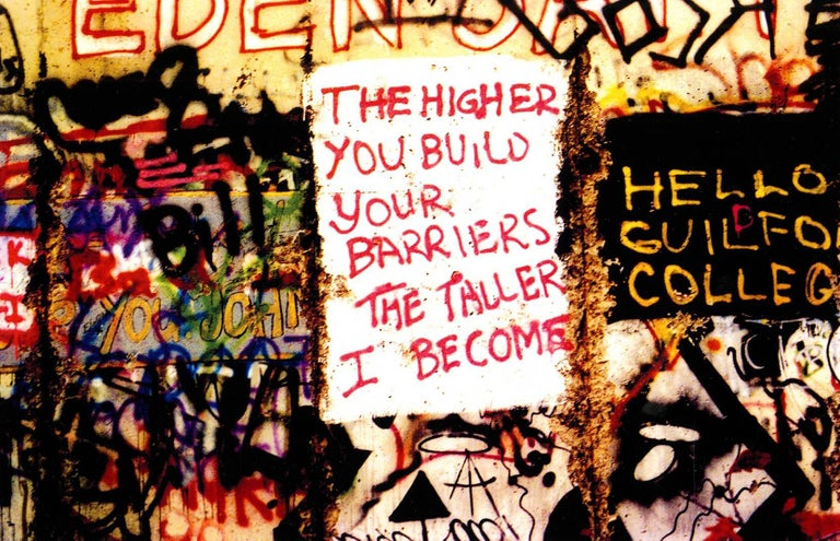 Berlin Wall Photograph 1989 (Berlin street photography Leni Sinclair)  - Beige Abstract Photograph by Leni Sinclair