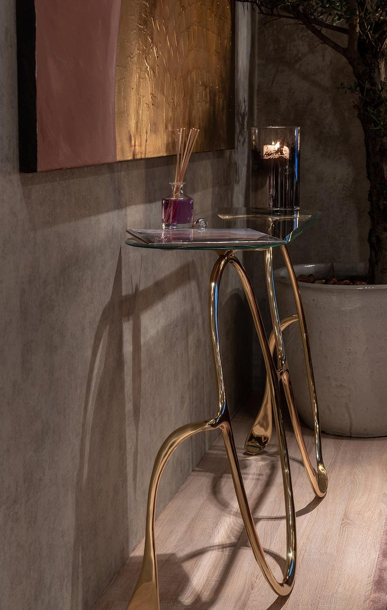 Modern Lennon Golden Console Table, Polished Brass and Glass Top, Art Console For Sale 1