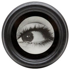 Lenticular Eye in Round Frame