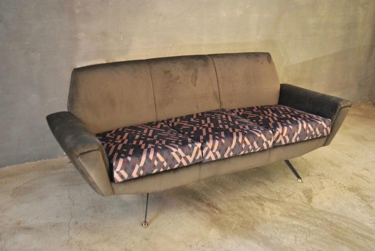 Mid-20th Century Lenzi Sofa Italian Midcentury Designer Giuseppe Rossi of Albizzate, Italy