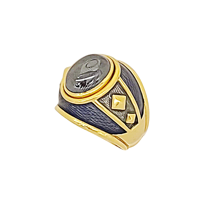 Leo De Vroomen 18 Karat Yellow Gold, Cabochon Hematite and Enamel Ring