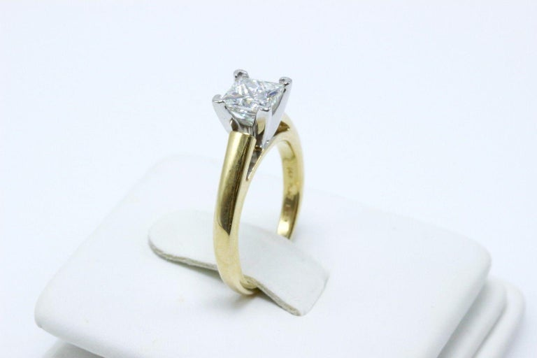 Leo Diamond Engagement Ring Princess Cut 0.97 Carat 14 Karat Yellow Gold For Sale 2