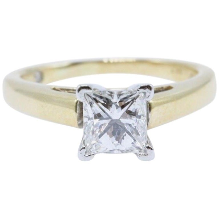 Leo Diamond Engagement Ring Princess Cut 0.97 Carat 14 Karat Yellow Gold For Sale