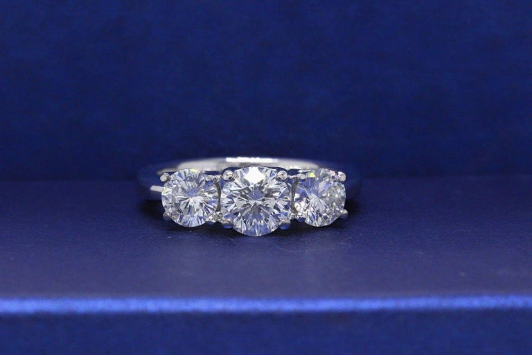 Leo Diamond Engagement Ring Three-Stone Rounds 1.51 Carat 14 Karat White Gold In Excellent Condition For Sale In San Diego, CA