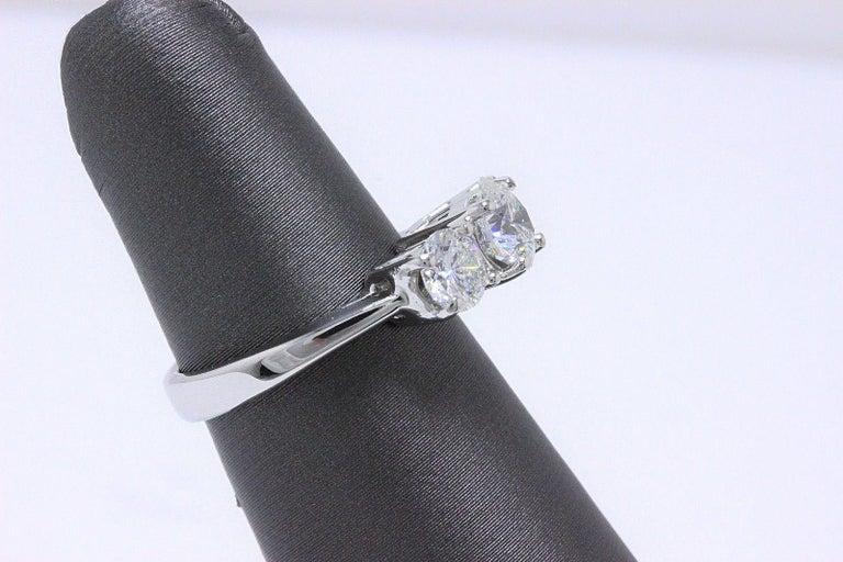 Leo Diamond Engagement Ring Three-Stone Rounds 1.51 Carat 14 Karat White Gold For Sale 1